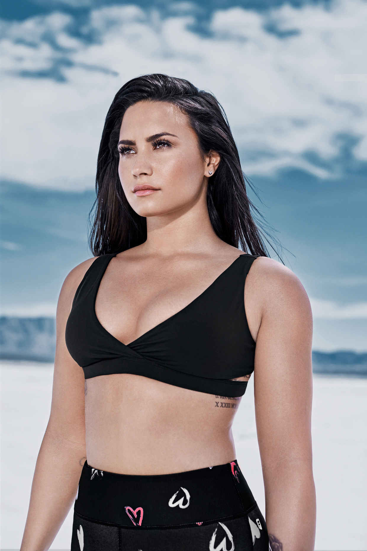 Demi Lovato Hot Bikini Images, Videos and Sexy Pics