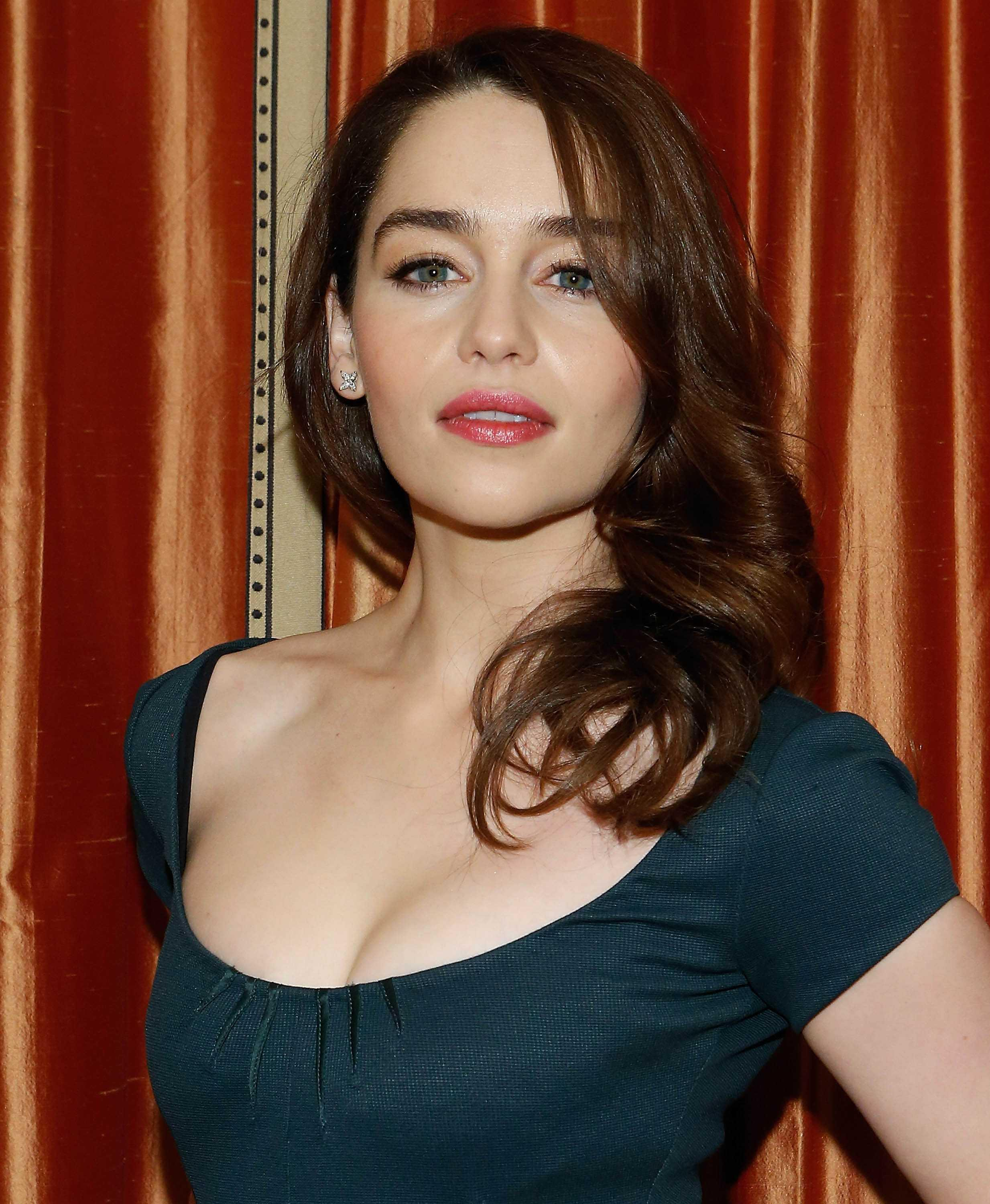 Emilia Clarke Hot Photos, Sexy Images & Videos