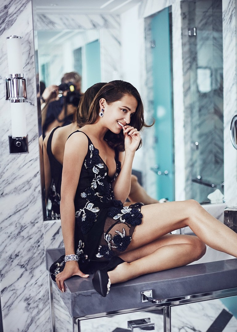 Alicia Vikander Hot