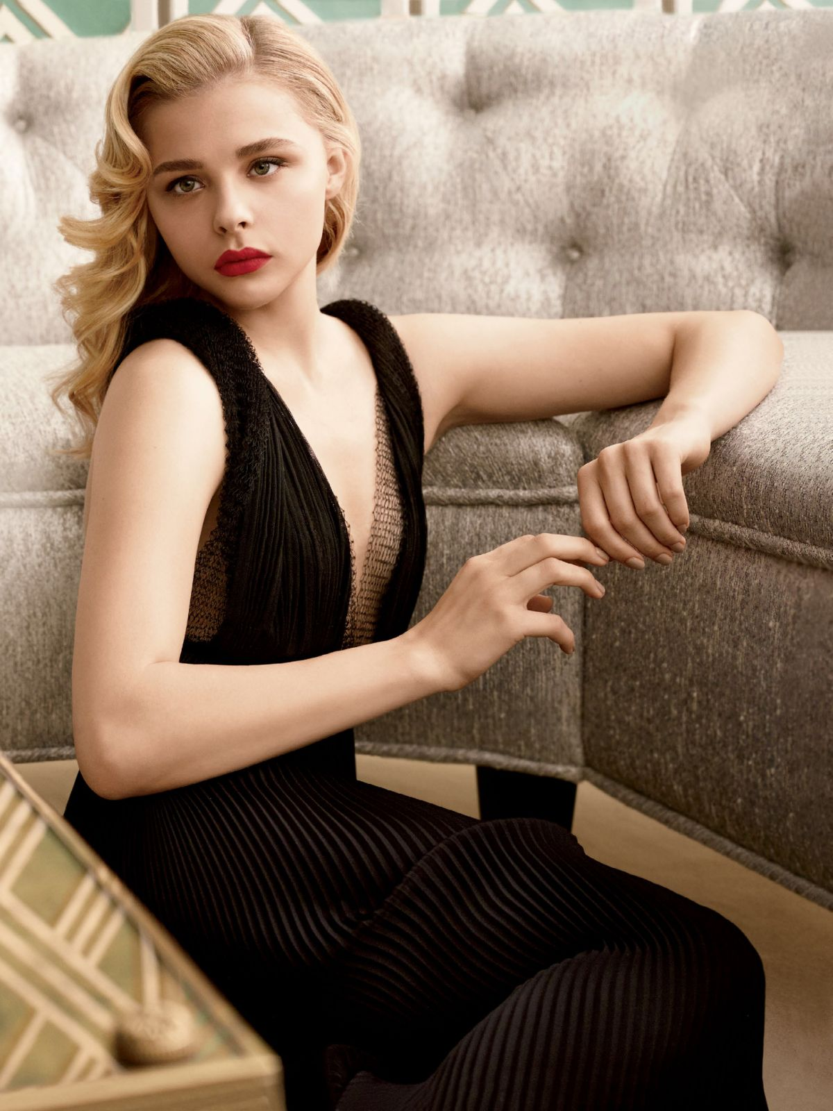 Chloe moretz hot bikini pictures sexy images videos beautiful lifestyle - Chloe moretz hot images ...