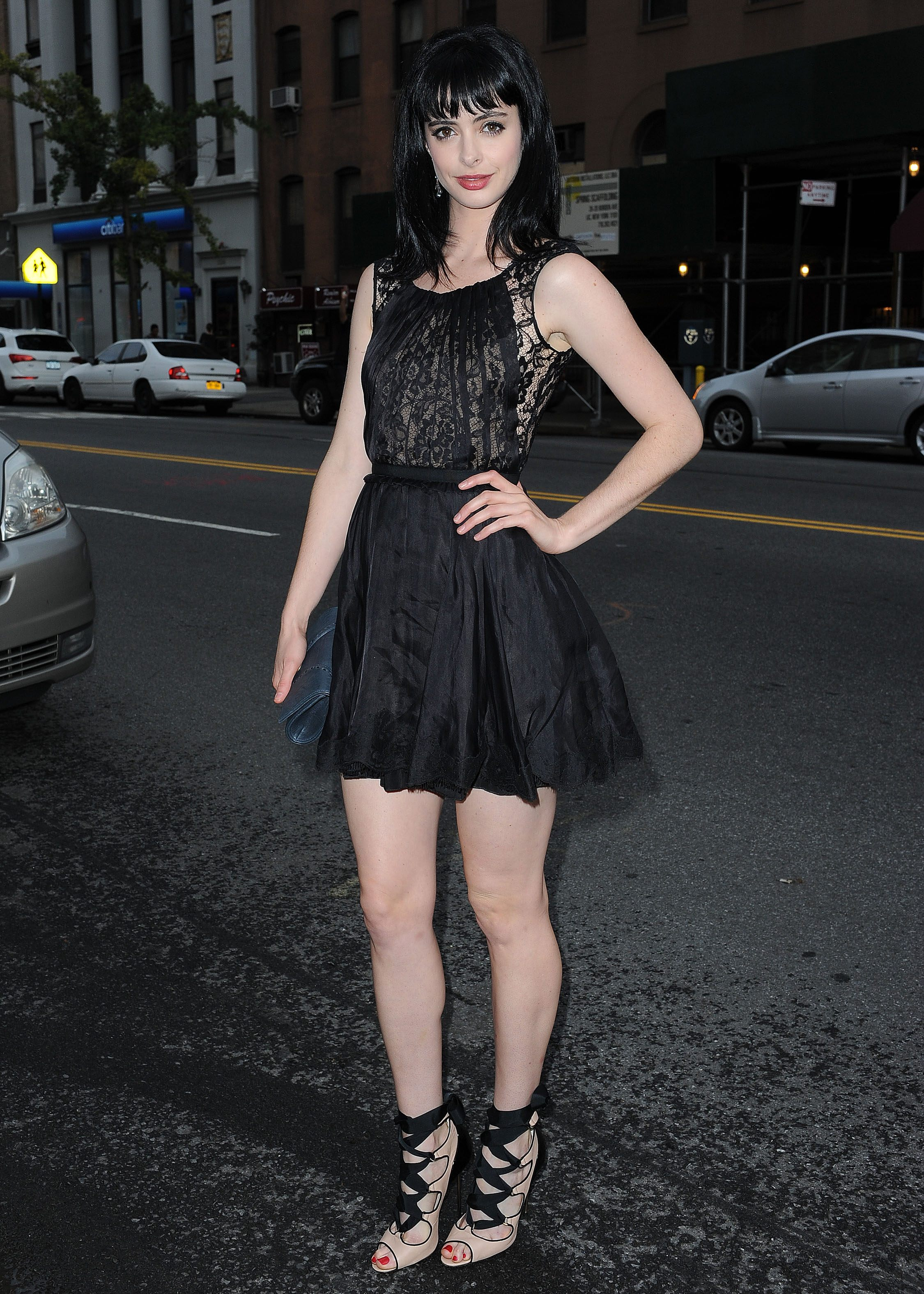 Krysten Ritter Hot Photos, Near-Nude Pics Gallery