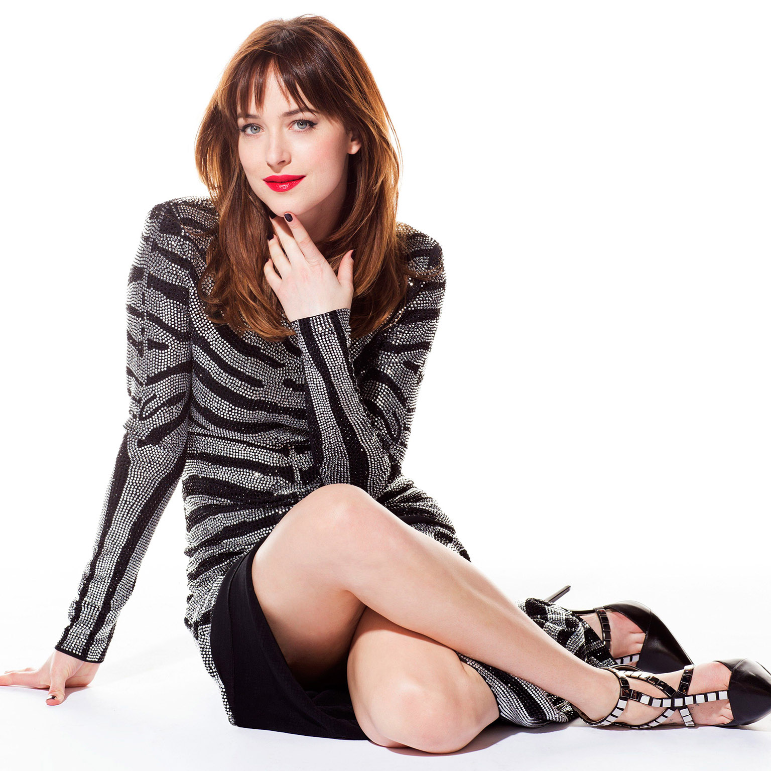 Dakota Johnson Hot Pics, Sexiest Bikini Photos Gallery