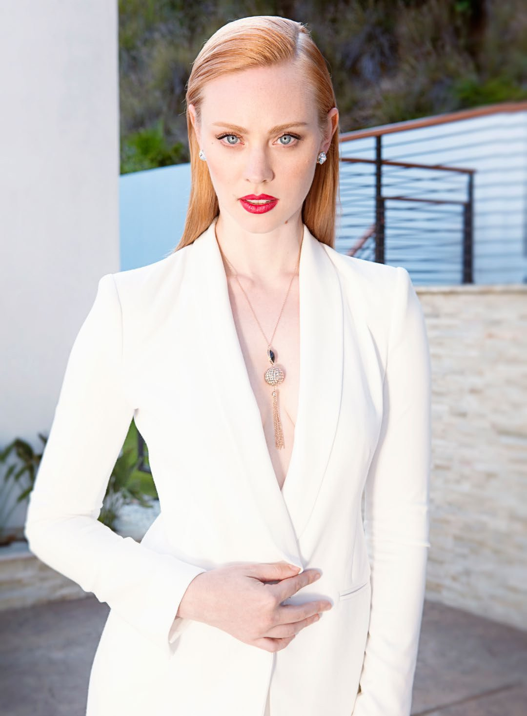 Deborah Ann Woll Hot Pics, Sexy Bikini Photos Gallery