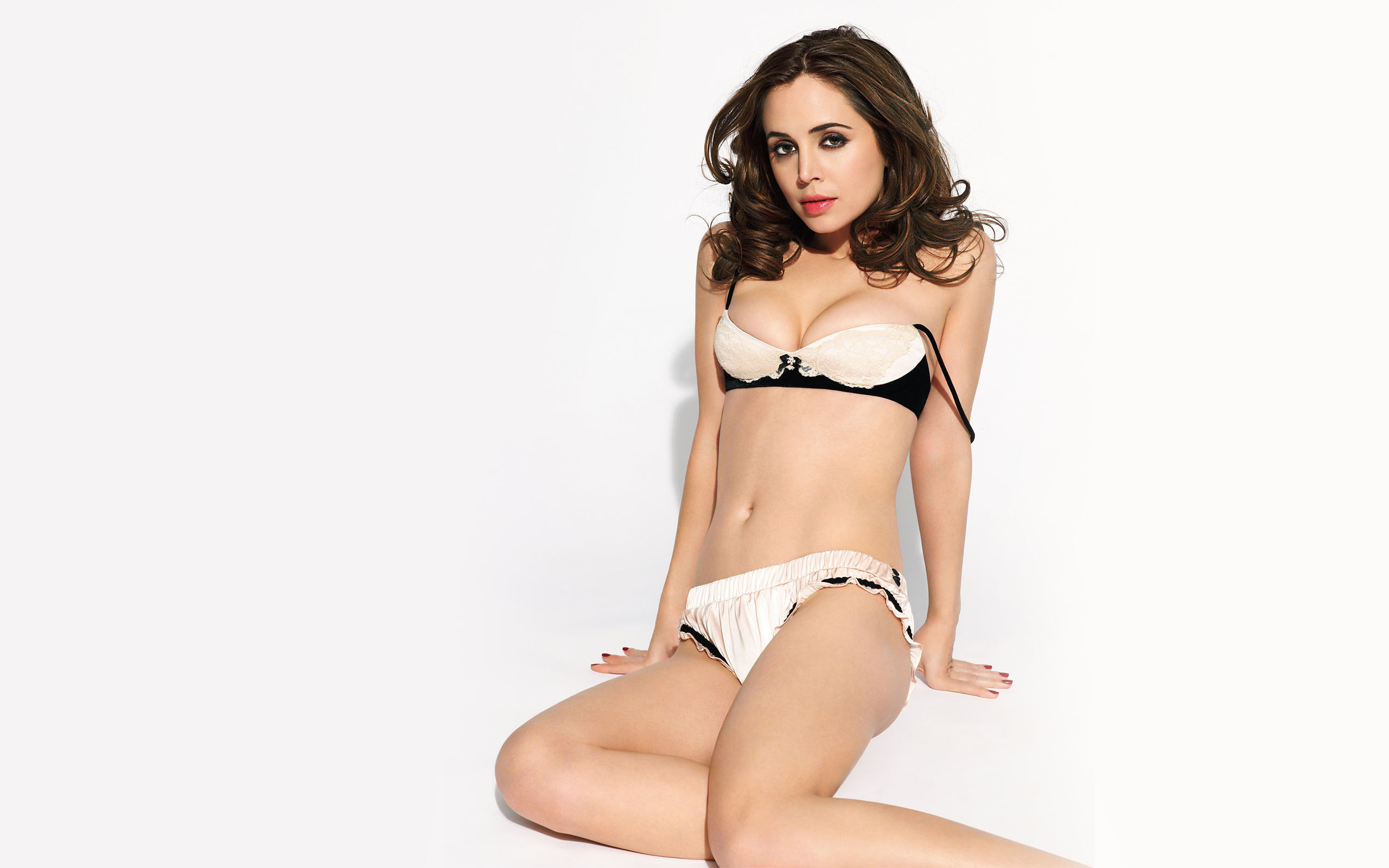 Eliza Dushku Hot Photos, Near-Nude Images & Videos
