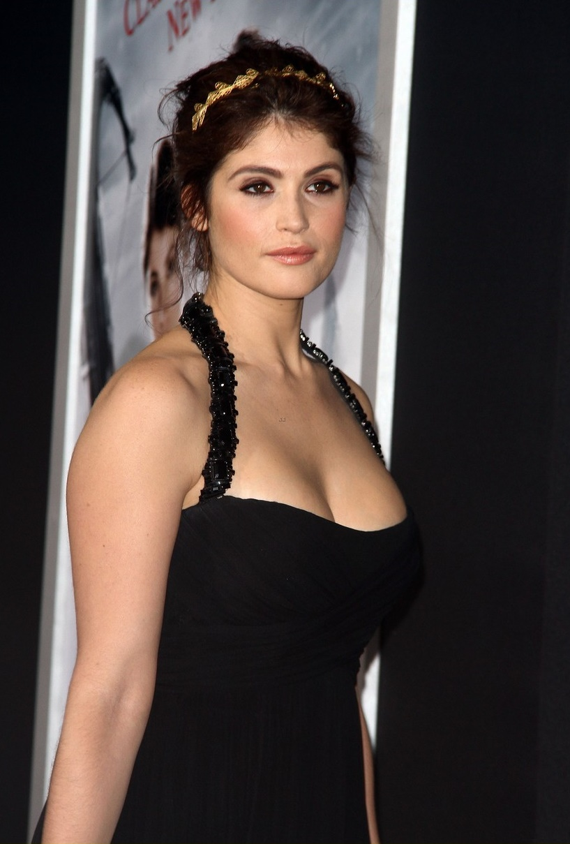 Gemma Arterton Hot & Sexy Pics, Near-Nude Photos