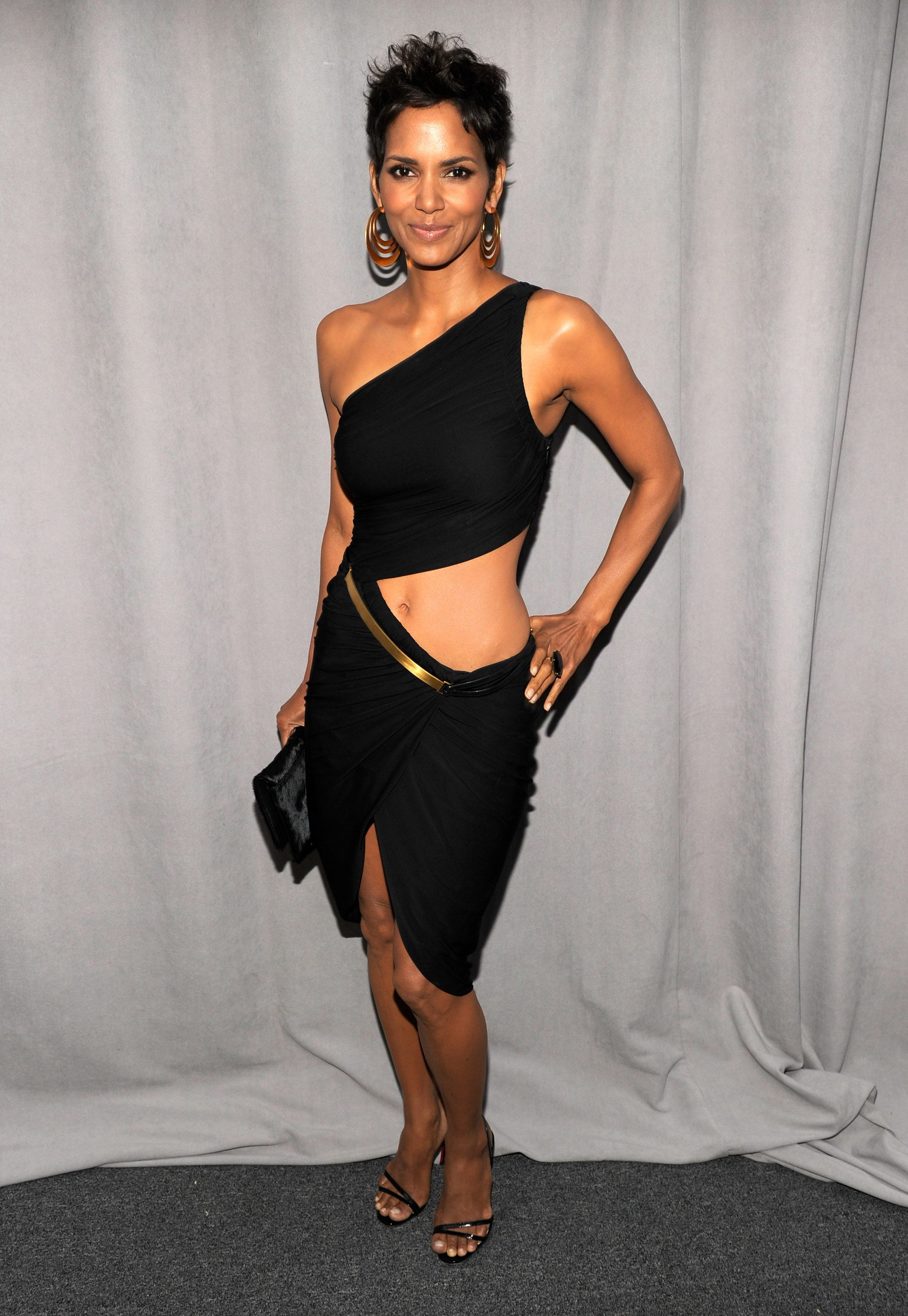 Halle Berry Hot Photos, Near-Nude Images Collection