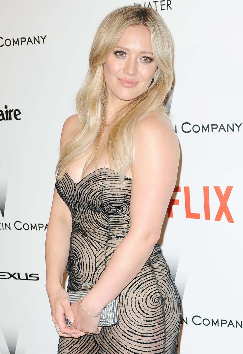 Hilary Duff Hot & Sexy Bikini Pics, Topless Photos