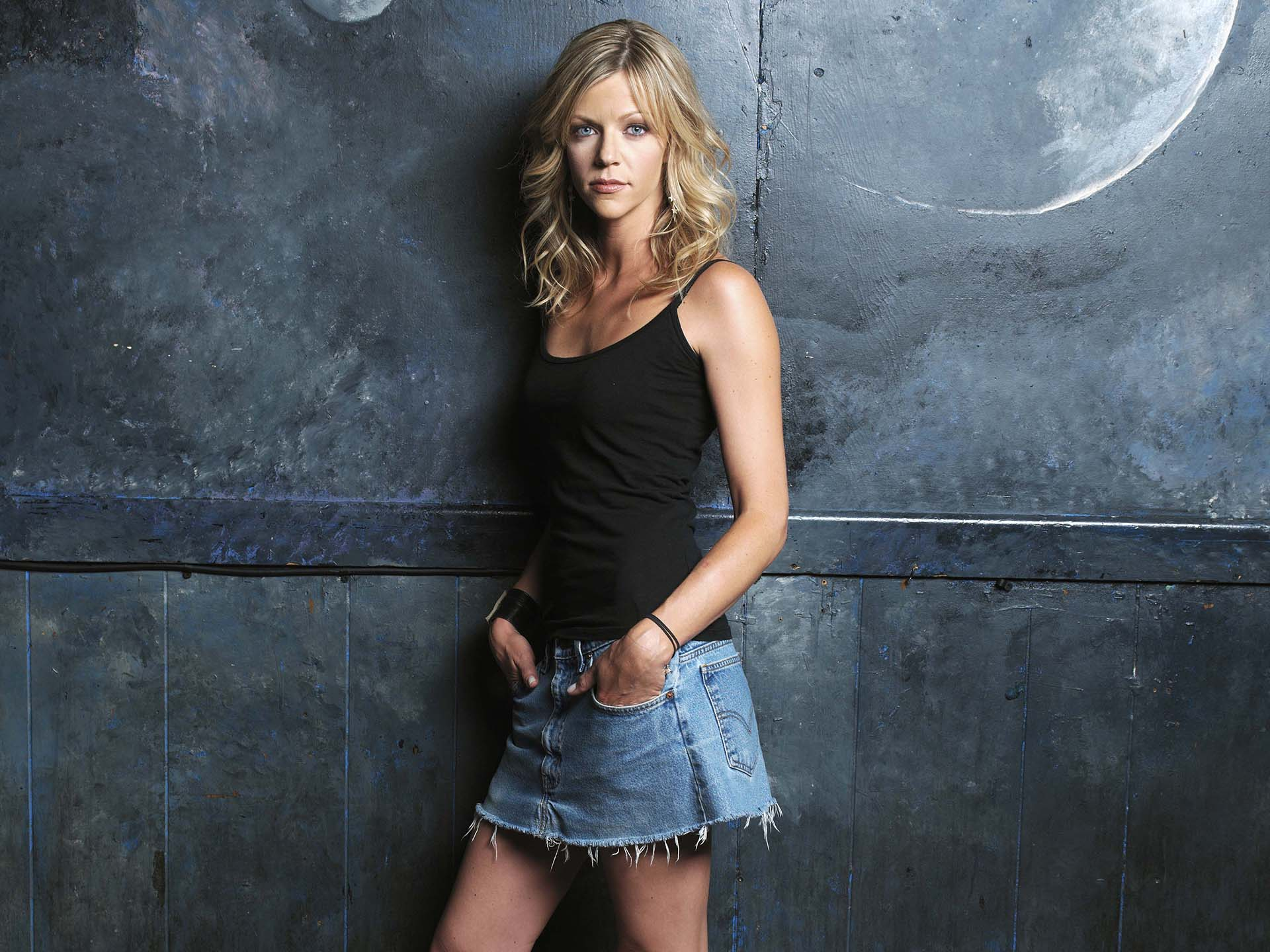 Kaitlin Olson Hot Pics, Latest Near-Nude Photos