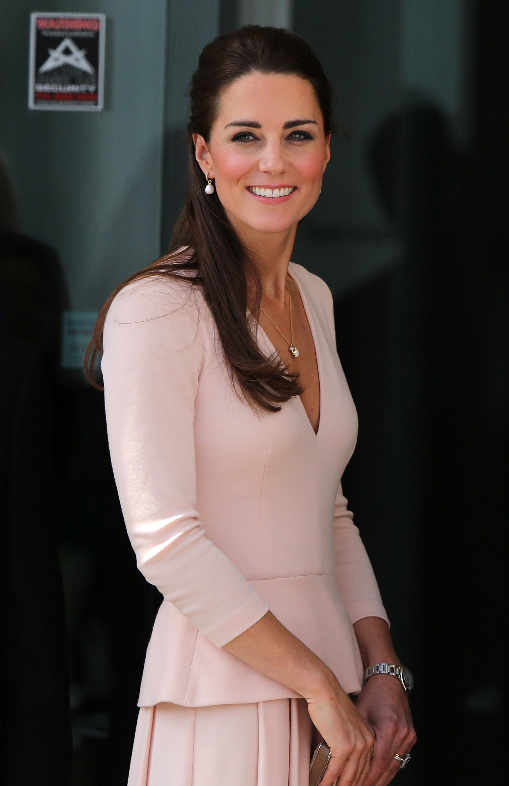 Kate Middleton Hot Bikini Photos, Sexy Near-Nude Pics