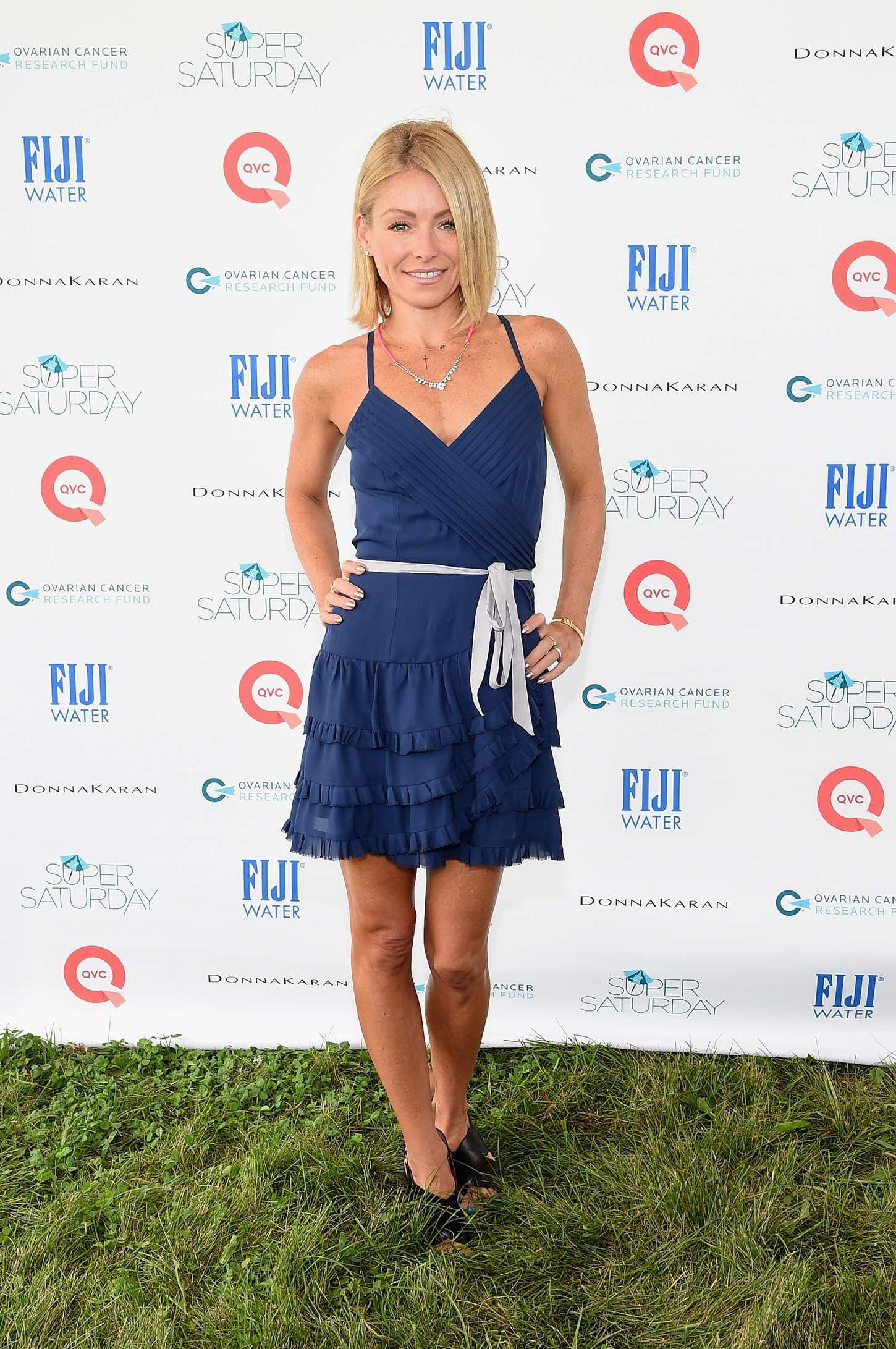 Kelly Ripa Hot