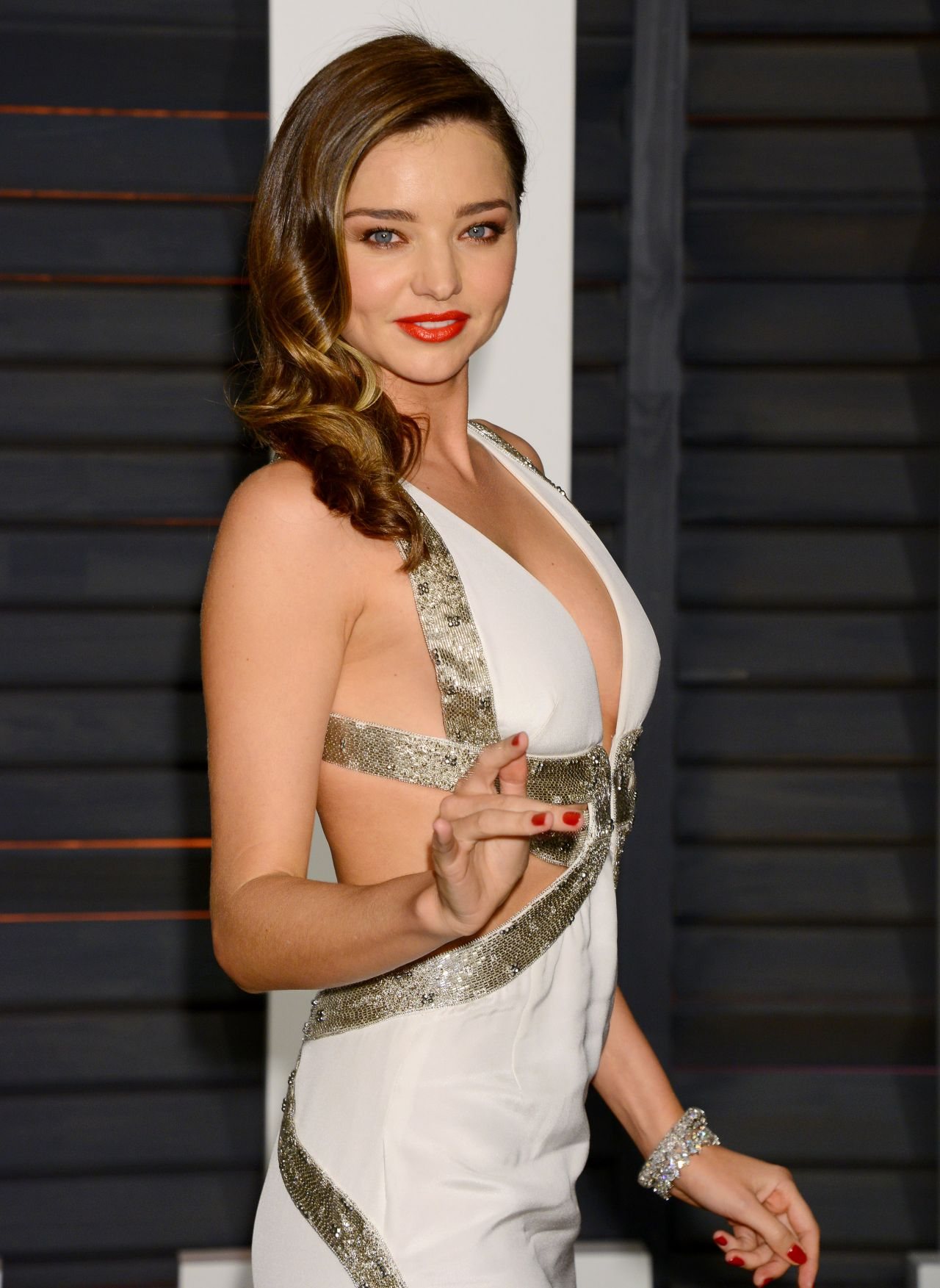 Miranda Kerr Hot Photos, Sexy Topless Pics & Videos