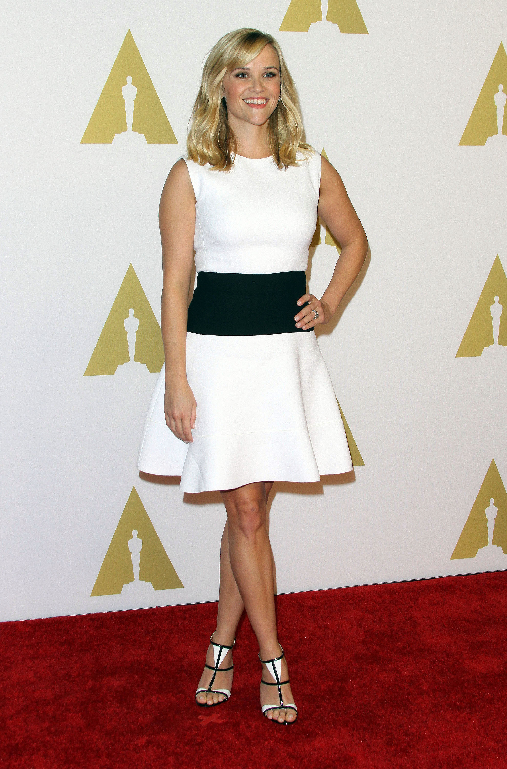 Reese Witherspoon Hot Images, Sexy Pics & Videos