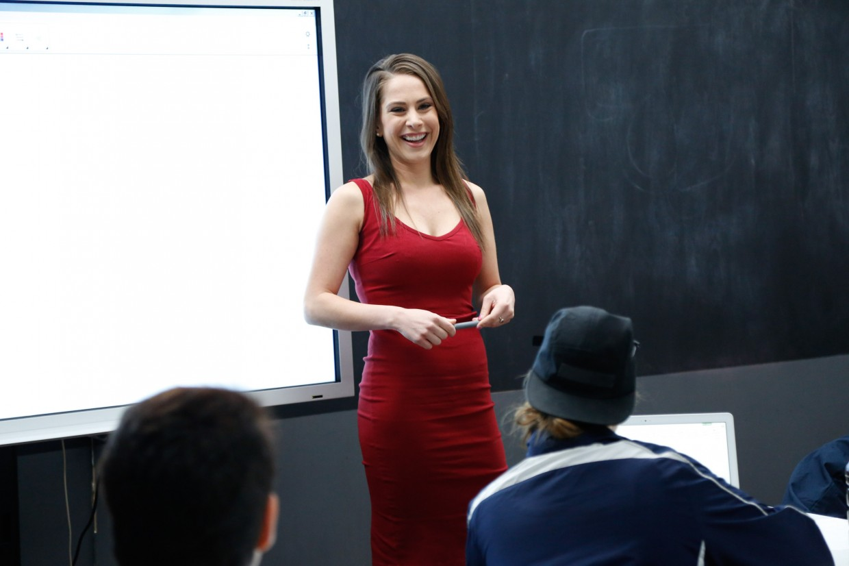 Ana Kasparian Hot