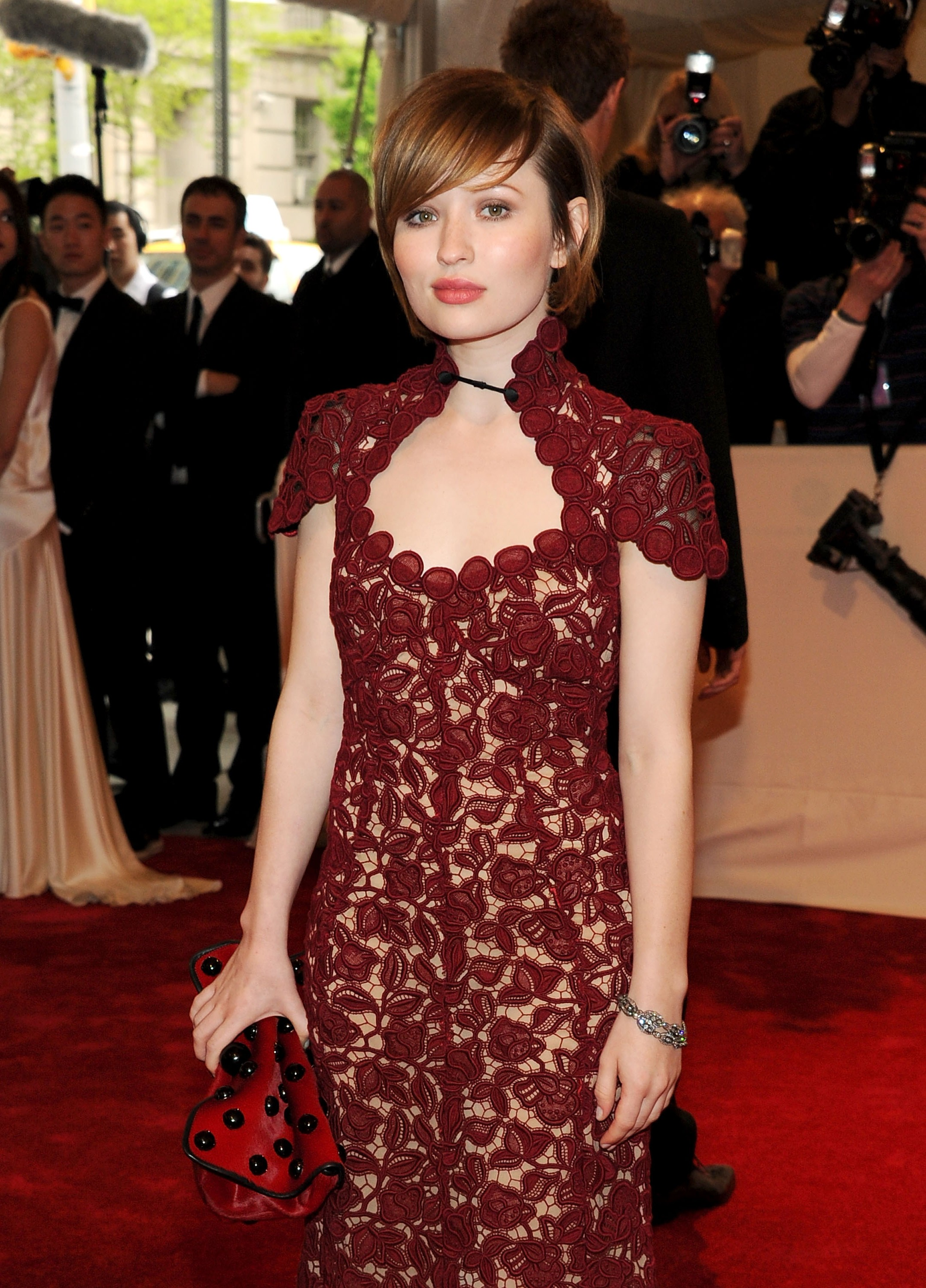 Emily Browning Hot