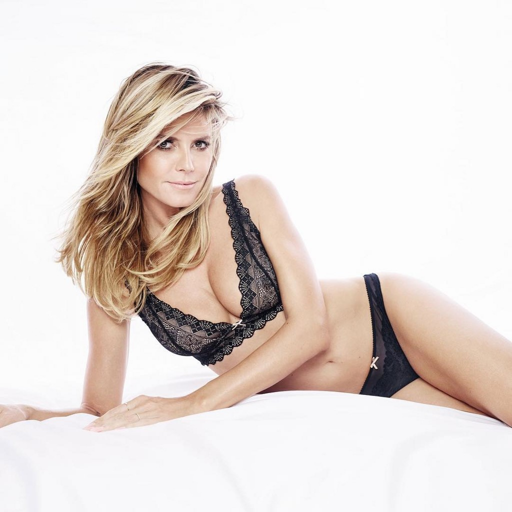 Heidi Klum Hot Bikini Pictures, Sexy Topless Images