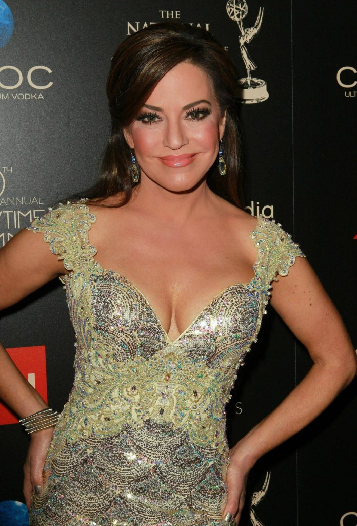 Robin meade hot bikini pics sexy photos in shorts - Robin meade swimsuit ...
