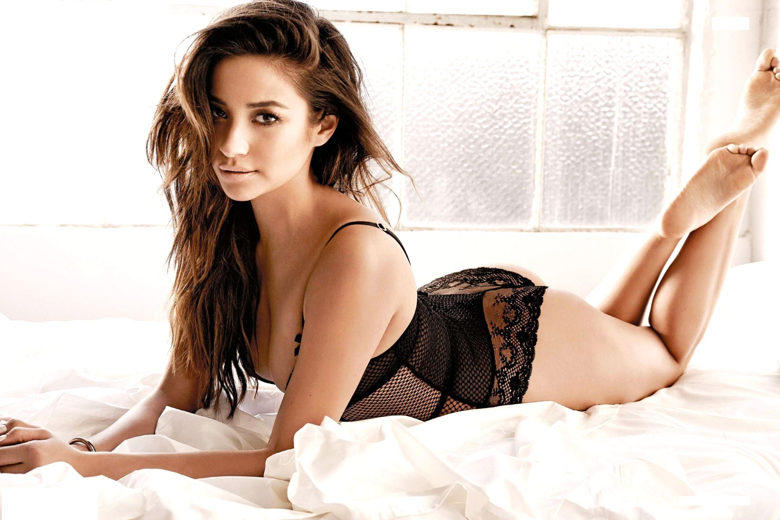 Shay Mitchell Hot