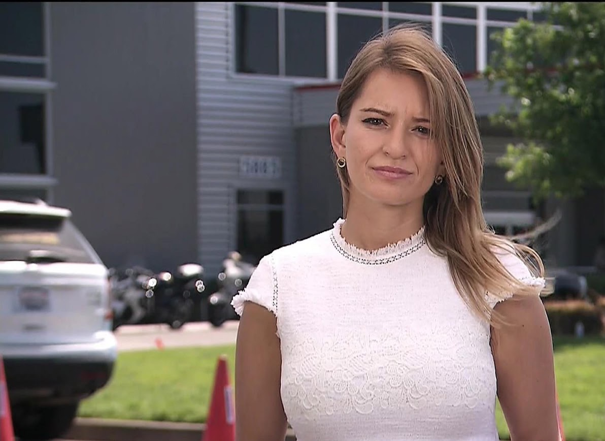 Katy Tur Hot News Anchor Bikini Pics & Kissing Videos
