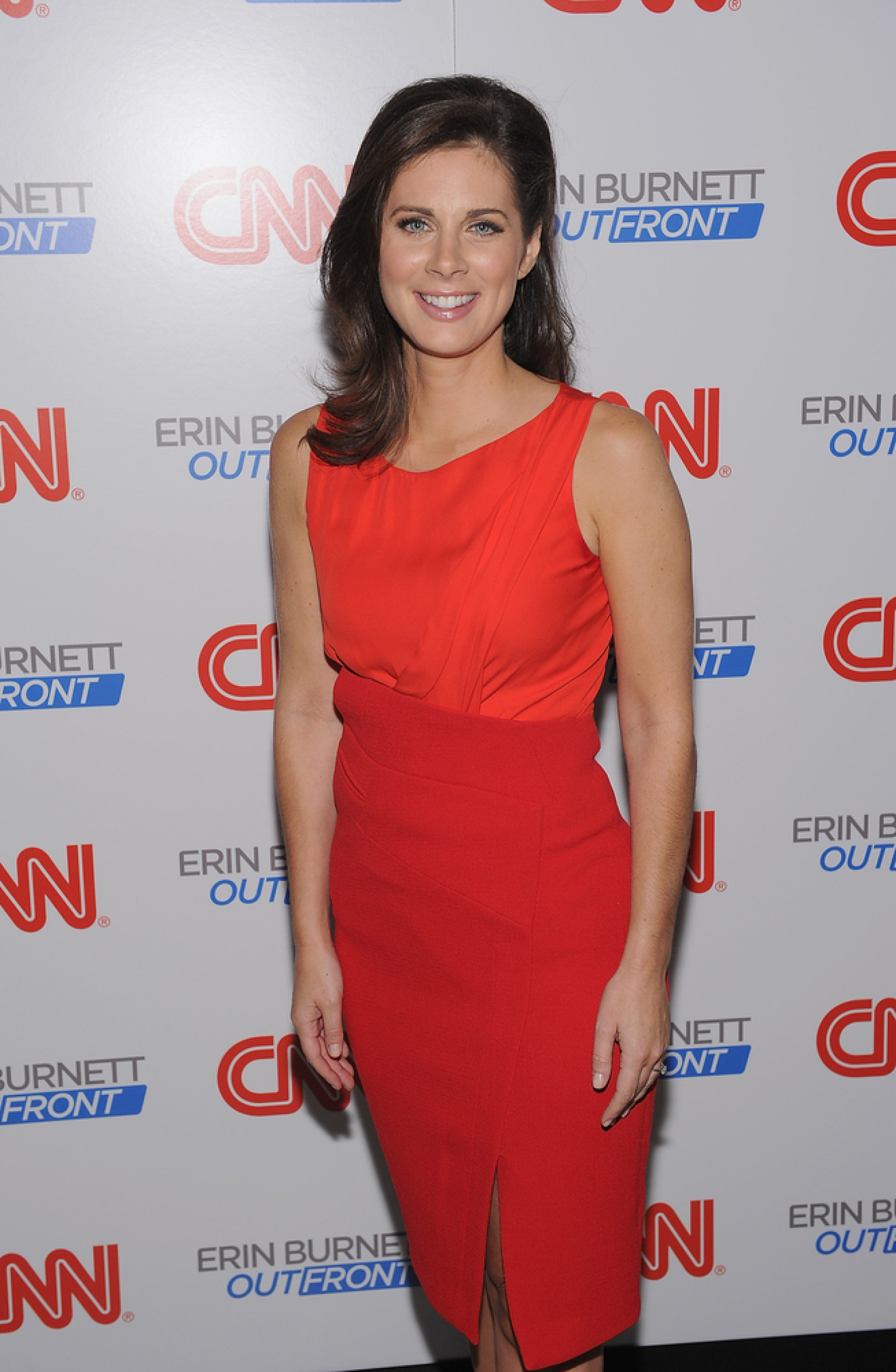 Erin Burnett Hot Bikini Pics, News Host Kissing Scene