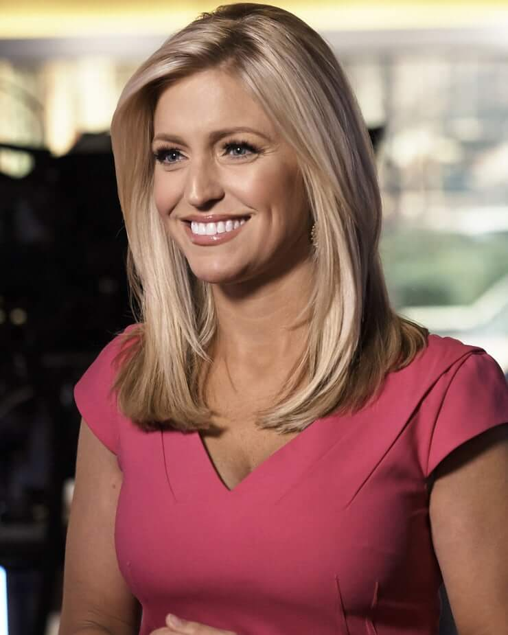 Hottest Pictures of Ainsley Earhardt Bikini Pics All Times 14