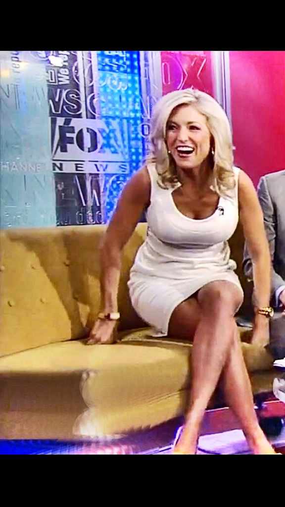 Hottest Pictures of Ainsley Earhardt Bikini Pics All Times 16